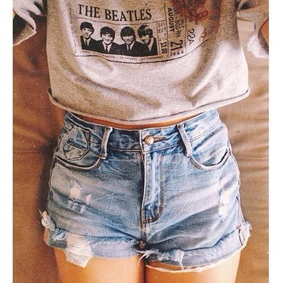flashes of style fashion vibe style scrapbook clothes urban outfitters shorts fashion toast fashion squad sweater oversized sweater
