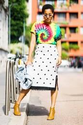 skirt,polka dots skirt,shirt,reggae shirt,shoes,brown booties
