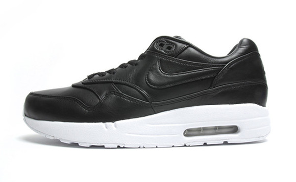 black leather shoes airmax1
