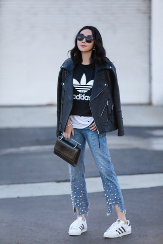 fit fab fun mom blogger t-shirt jacket jeans bag shoes sunglasses jewels adidas black t-shirt black leather jacket sneakers