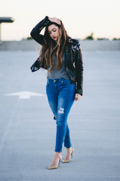 goldenswank,blogger,jacket,jeans,shoes,nail polish,black leather jacket,nude heels,high heel pumps,grey t-shirt