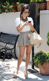 skirt,clothes,white t-shirt,wedges,white bag,phone,bag,shoes,kardashians,crop tops,perfect,white shirt,shirt,top,blouse
