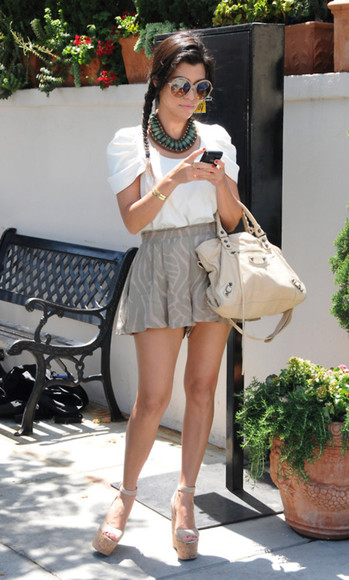 white bag bag shoes skirt clothes white t-shirt wedges phone kardashian croptop perfect white shirt blouse shirt top
