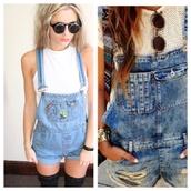 jeans,dungarees,distressed denim shorts,flowers,sunglasses