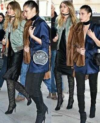 jewels jewelry necklace choker necklace model model off-duty gigi hadid bella hadid fashion week 2016 fashion week ny fashion week 2016 black choker style trendy fashion