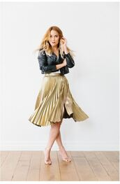 skirt,lauren conrad,metallic,gold,pleated skirt,sandals,jacket,blogger,spring outfits,biker jacket,midi skirt,shoes,sandal heels,vue boutique,silver