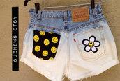 shorts,daisy shorts,smiley,90s style,happy face,High waisted shorts,dip dyed,festival,high waisted denim shorts