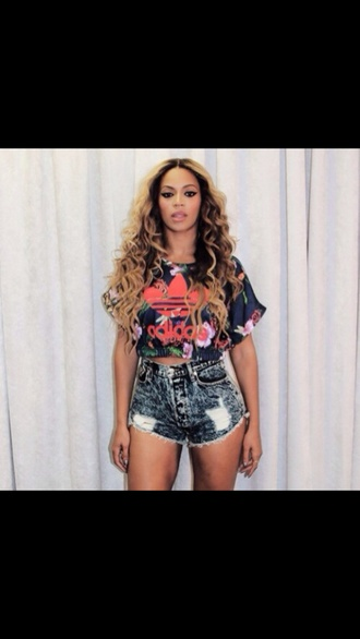 hair accessory shorts short beyonce beyonce fashion blouse t-shirt make-up adidas beyonce shirts