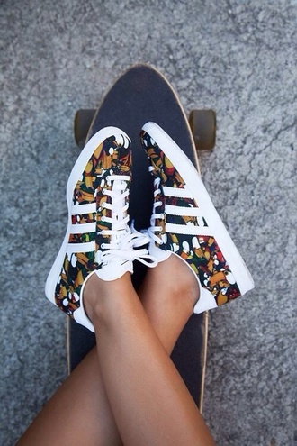 shoes custom floral pretty dope swag summer skateboard adidas originals adidas shoes sneakers adidas flowers baskets fleuries colorful adidas classics