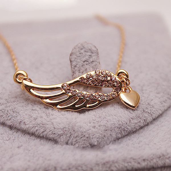 jewels necklace hollow wing