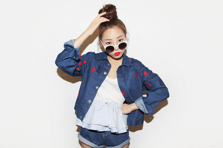 Fashion Girl Red Heart Patterns Single Breasted Long Sleeve Denim Jacket on Luulla