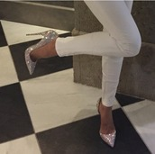 shoes,high heels,sparkly shoes,sparkle,sparkly heels,pointed toe,on point,silver heels