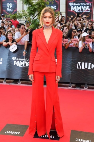 pants red gigi hadid set flare pants suit two piece dress set mens suit red carpet red pants wide-leg pants gigi hadid style mmva awards blazer choker necklace necklace model
