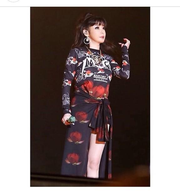 Park Bom Black Sweater Print Rose Flowers Black Print Red