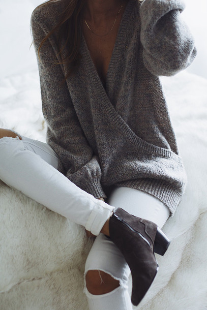 sweater grey white jeans boots