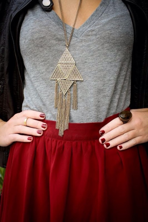skirt jewels grey necklace gold necklace top not expensive gold must have clothes
