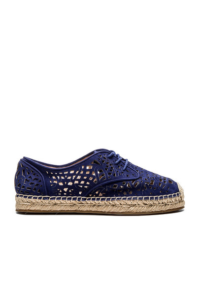 Vince Camuto Dinah Flat in blue