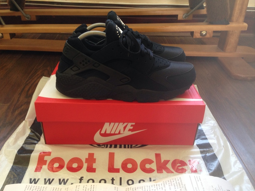 66112561a8aa Trainer House — Nike Air Triple Black Huarache 2014