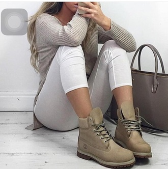 shoes timberland sweater grey grey sweater skinny jeans timberlands khaki fall outfits outfit timberlands boots beige bag swag jeans nude flat boots boots white pants skinny pants