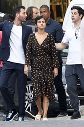 dress,wrap dress,selena gomez,slide shoes,celebrity,midi dress