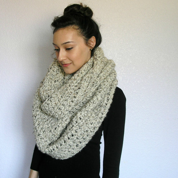 the strasbourg chunky infinity scarf oatmeal by deroucheau