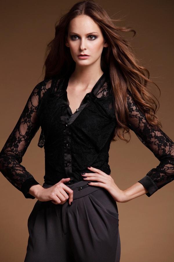 Long-Sleeve Lace Blouse - Le Teresa   YESSTYLE