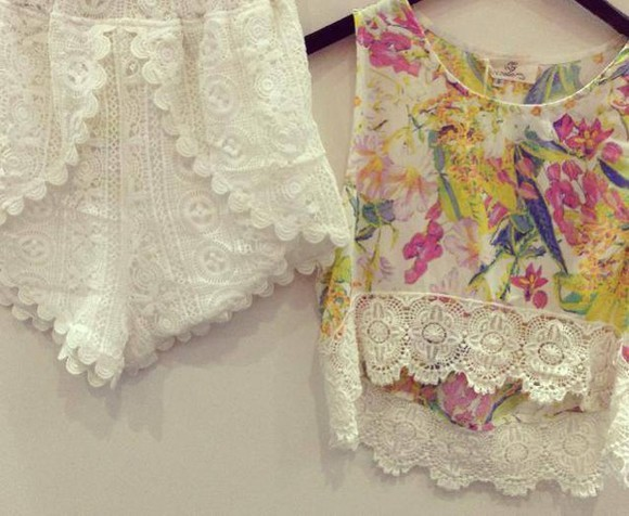 crochet crochet shorts top lace summer outfits crop tops crochet crop top
