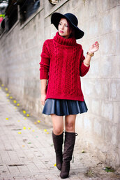 sweater,red cable knit sweater,tumblr,turtleneck,turtleneck sweater,cable knit,red sweater,skirt,mini skirt,black skirt,black leather skirt,leather skirt,knee high boots,boots,brown boots,hat,black hat,fedora