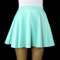Mint skirt and white crop top on the hunt