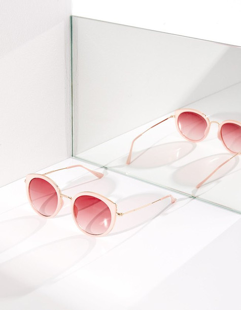 Stradivarius Pink Sunglasses With Contrasting Metal Details In Pastel Pink