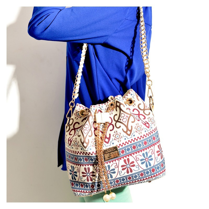 Online accessories & clothing store