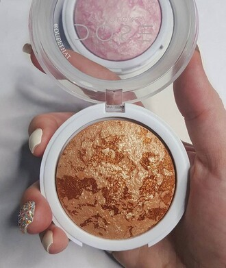 make-up highlighter