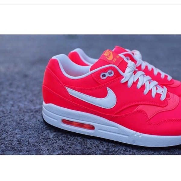 shoes nike air max nike air max 1 pink pink shoes white pink trainers air max nike air max 1 pink by victorias secret