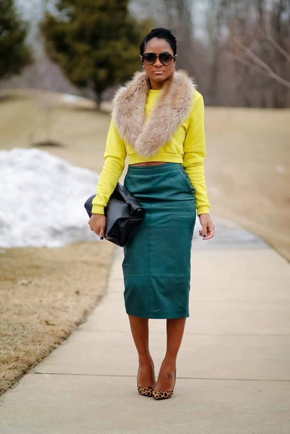the daileigh t-shirt skirt bag sunglasses shoes scarf
