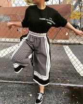 pants,clothes,culottes,pattern,monochrome,geometric,vans,elastic,waist band,patterned culottes,black,white,lines,girl,t-shirt,print,cropped pants,cropped trousers,leggings,black and white,blouse,black blouse,high waisted leggings,oversized,inscriptions,stripes