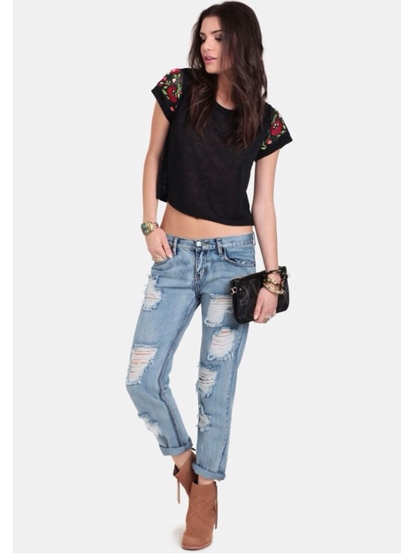 t-shirt top beautiful want it in pounds pounds england flowers pattern black sexy shoes jeans
