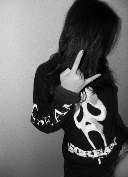 sweater scream black white