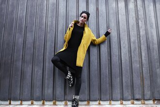 shoes ikkii ikkiiboots boots style yellow girly trendy hipster black boots black hahnentritt classy cool streetwear white stripes pattern