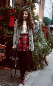 cardigan,tumblr,holiday season,holidays,christmas,tartan,plaid skirt,tartan skirt,plaid,mini skirt,tights,opaque tights,white shirt,shirt,grey cardigan,bag,black bag,shoes,brown shoes,winter outfits