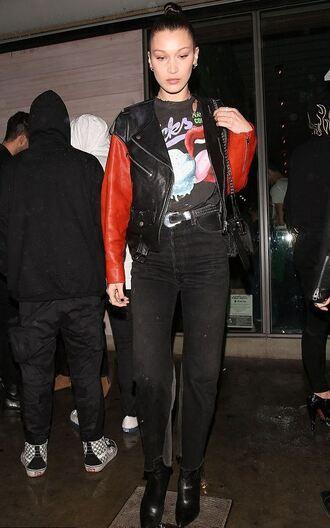 jacket top streetstyle fall outfits model off-duty bella hadid jeans biker jacket