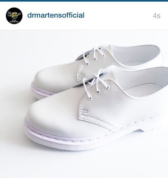 shoes white total white smooth drmartens rubber