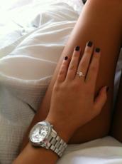 jewels,ring,skul,silver,jewelry,tumblr,skull ring,silver watch,watch,silver jewelry,black,nail polish,skull