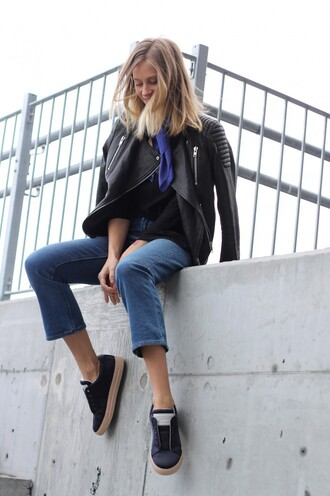 the fashion eaters blogger biker jacket cropped pants casual