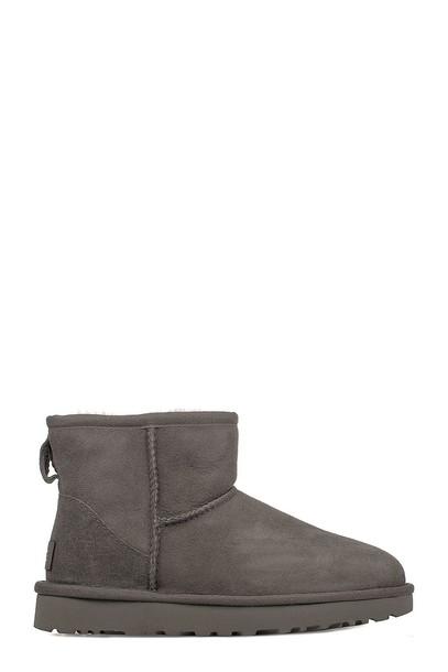 Ugg boot mini classic shoes