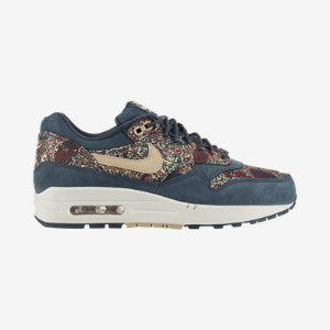 Nike Store. Nike Air Max 1 Liberty OG QS Women's Shoe