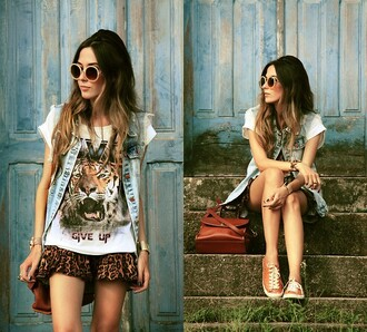 shirt t-shirt bag shoes skirt sunglasses