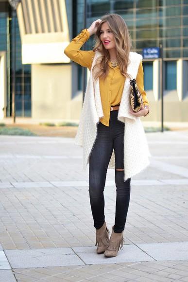 jeans off-white knitwear blogger mi aventura con la moda bag mustard clutch chevron