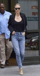 top,jeans,denim,rosie huntington-whiteley,model off-duty