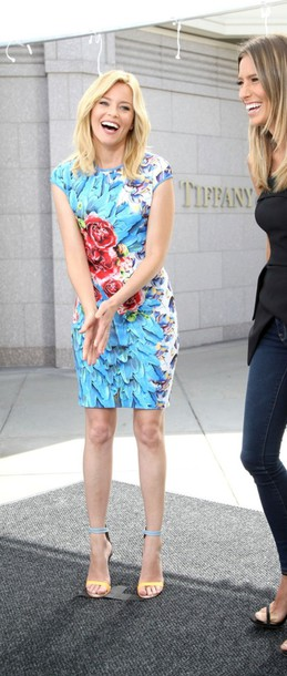 Dress Floral Summer Outfits Elizabeth Banks Sandals
