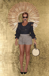 shorts,top,beyonce,fall outfits,pumps,instagram,big purse,blouse